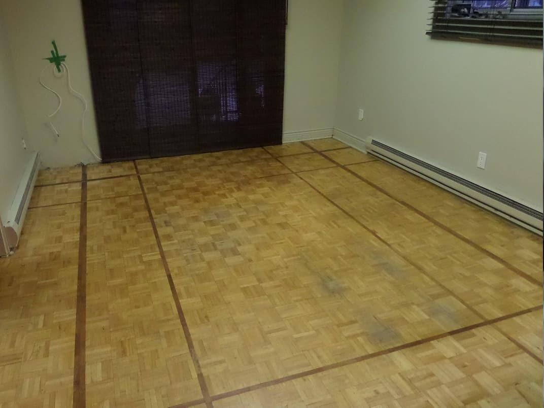 Plancher usé avant travaux de restauration
