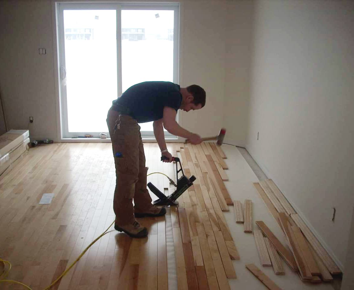 Plancher de bois franc clair 13